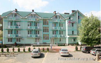 отдых в Карпатах - курорт Поляна