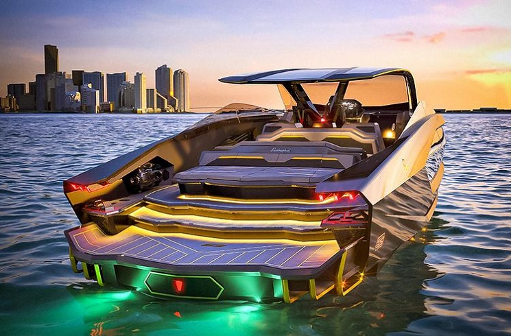 яхта от Lamborghini