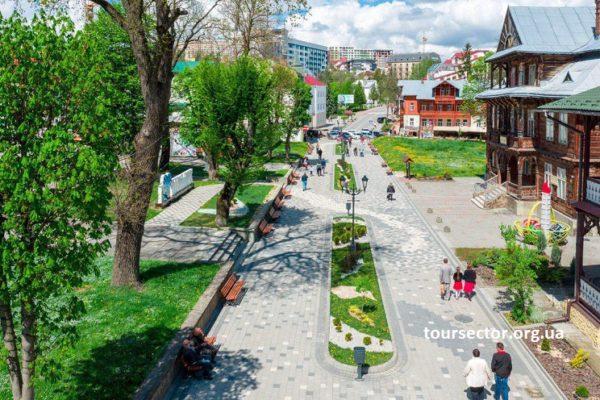 алея к центральной площади